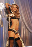 th_08425_fashiongallery_VSShow08_Show-228_122_1196lo.jpg