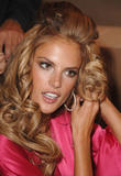 th_97010_fashiongallery_VSShow08_Backstage_AlessandraAmbrosio-49_122_1196lo.jpg