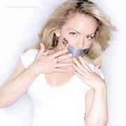 Kelly Stables No H8 Campaign x1