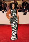 th_27652_Tikipeter_Solange_Knowles_Savage_Beauty_Gala_006_123_358lo.jpg
