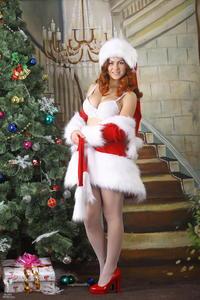 http://img149.imagevenue.com/loc364/th_531675549_silver_angels_Sandrinya_I_Christmas_1_108_123_364lo.jpg
