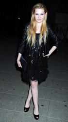 http://img149.imagevenue.com/loc482/th_139411515_AbigailBreslin_VanityFairParty_TribecaFF_270411_012_122_482lo.jpg