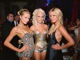 http://img149.imagevenue.com/loc546/th_58234_Hugh_Hefner_s_Midsummer_Night_s_Dream_Party4_546lo.jpg
