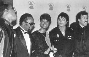 1986- The 28th Grammy Awards Th_799184114_016_23_122_591lo