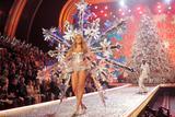 th_97362_Victoria_Secret_Celebrity_City_2007_FS400_123_837lo.jpg